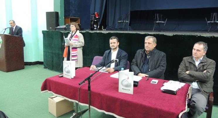 "Srebrenik: Promovisana knjiga ""Oslobađanje od sebe, Sufizam, meditacija i psihoterapija"""
