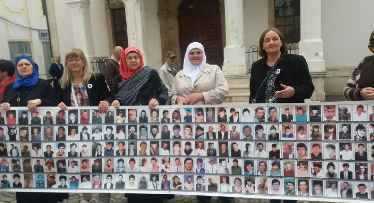 Tuzla: Aktiv žena MIZ Busovača i Novi Travnik u podršci Majkama Srebrenice (AUDIO)